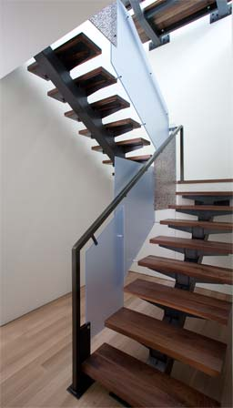 butterfly stair of steel, walnut hardood and resin